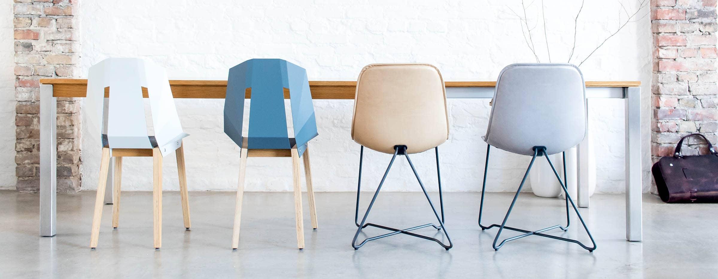 Massivholz Ausziehtisch Bankett mit Design Stühlen von MBzwo