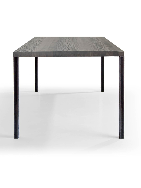 mbzwo lola eiche ger uchert und schwarz ge lt tisch filigran leicht in schwarzer eiche. Black Bedroom Furniture Sets. Home Design Ideas
