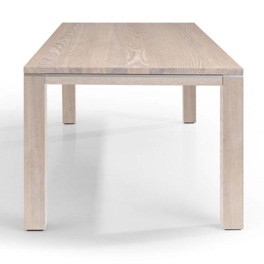 Tisch Range in Eiche weiss