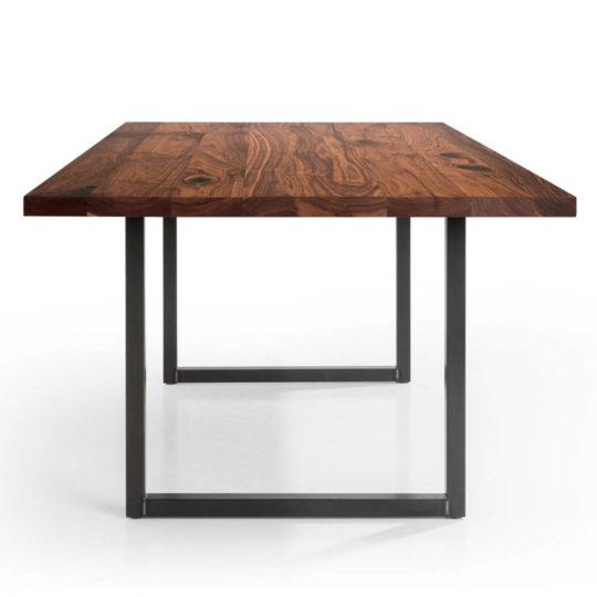 Tisch Tipo in Nussbaum Ast