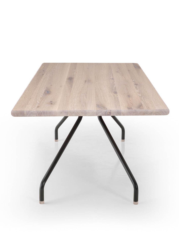 Designer Tisch Cone in Asteiche weiß geölt