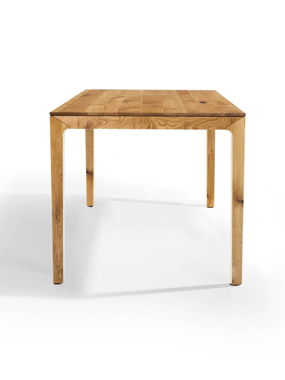 Skandinavischer Esstisch aus Massivholz in Asteiche