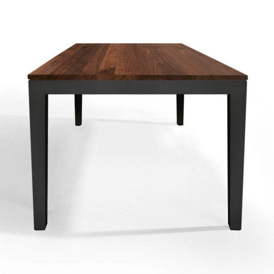 Tisch Pantera in Nussbaum premium mit anthrazitem Untergestell