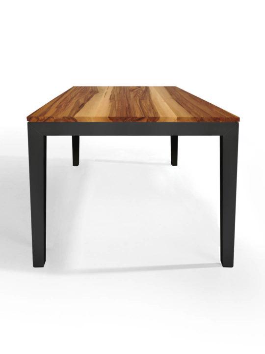 Tisch Pantera in Nussbaum Satin mit rotem Untergestell