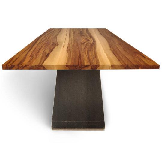 Tisch ZSteel in Nussbaum Satin