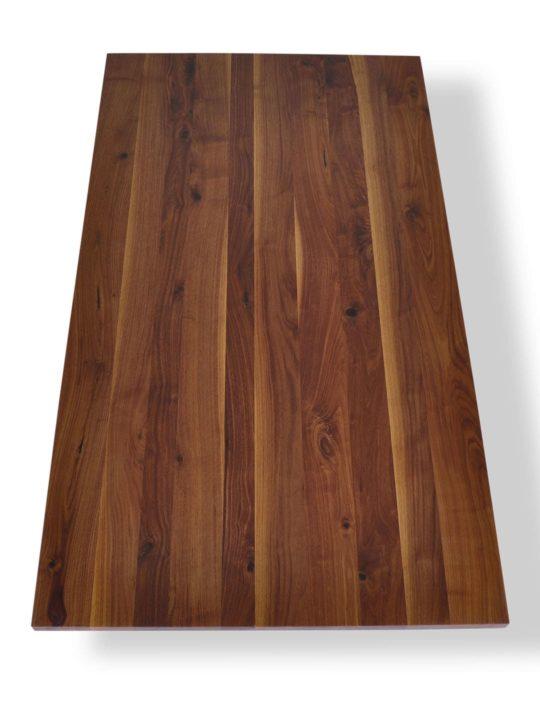 Massive Tischplatte in Nussbaum mit Ast- und Splintanteil
