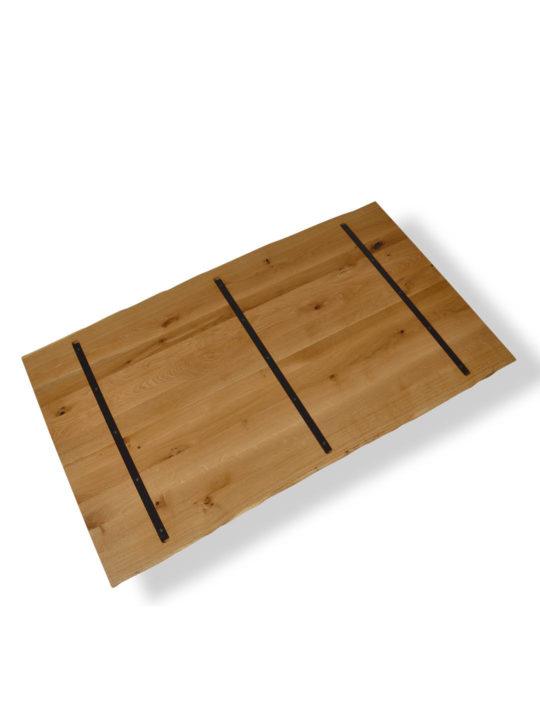 Asteiche Tischplatte mit Baumkante und Stahlkernen