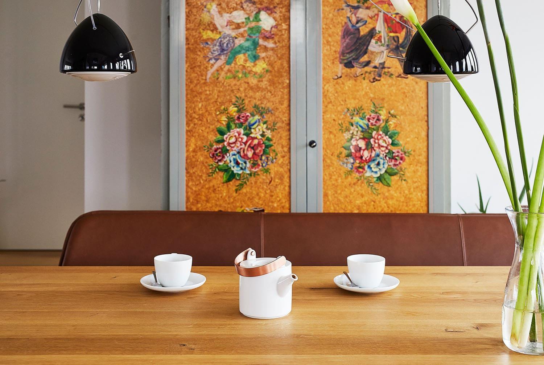 schlichte Design Leder Bank, Lederbank minimalistisch, Dezente Leder Bank, Designer Sitzbank Leder, Lederbank Esstisch filigran