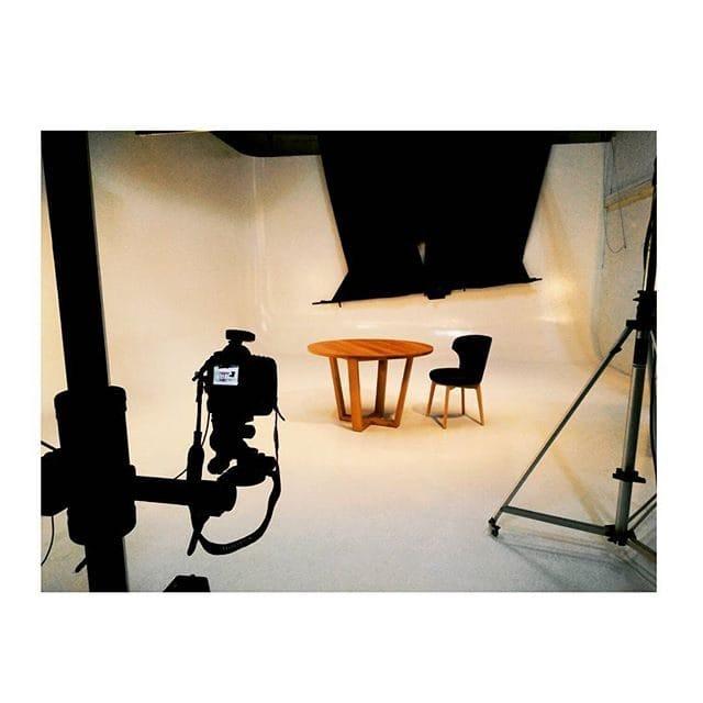 fotoshoot mbzwo massivholztische neue tische und super bilder. Black Bedroom Furniture Sets. Home Design Ideas