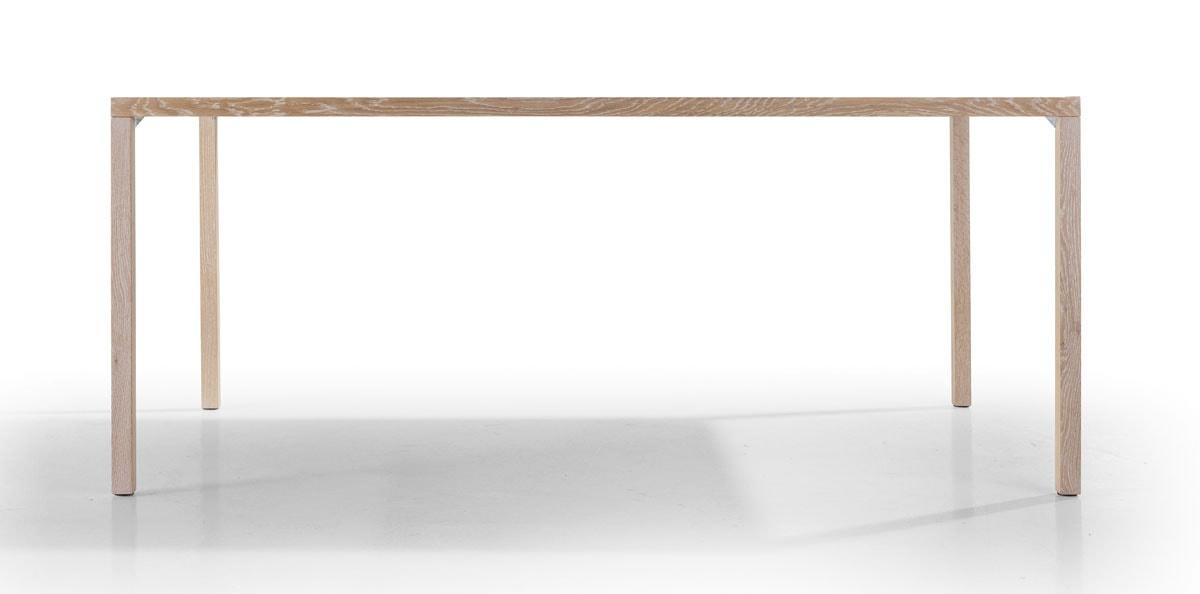Massivholz Tisch mit Holzbeinen im Profil