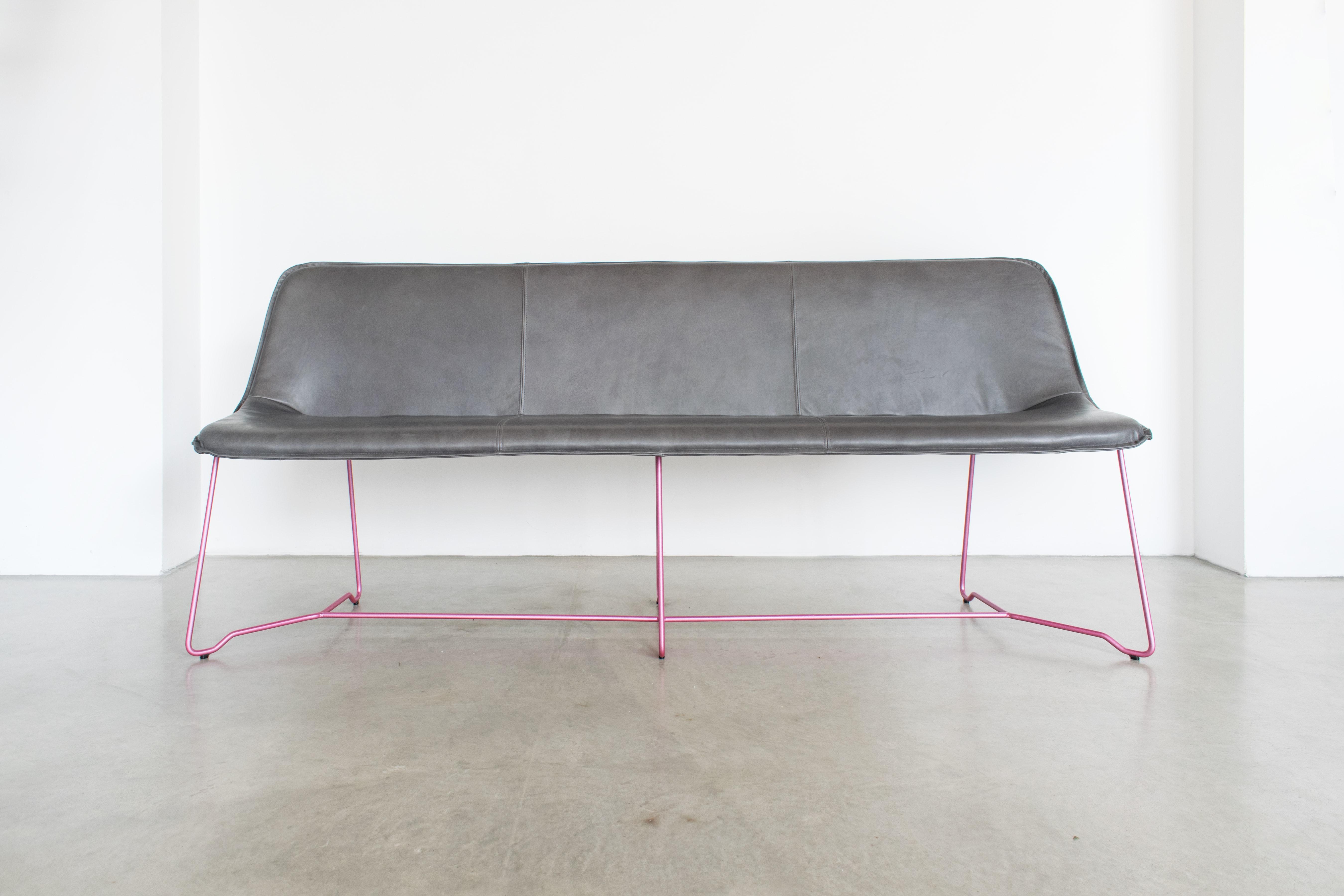 MBzwo Lederbank Like in grau & pink, Designer Bank online kaufen