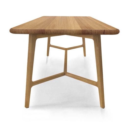 Skandinavischer Esstisch aus Massivholz Like von MBzwo in Eiche Premium