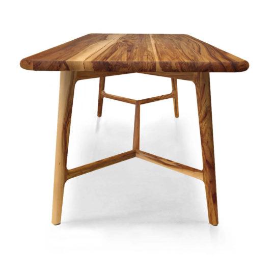 Tisch skandinavischer Stil Like von MBzwo in Nussbaum Satin