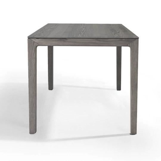 Filigraner Esstisch aus Massivholz in Esche grau geölt