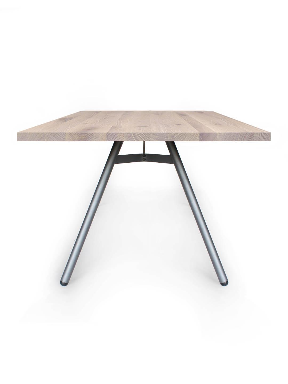 Tisch Trigon in Asteiche weiß geölt von MBzwo