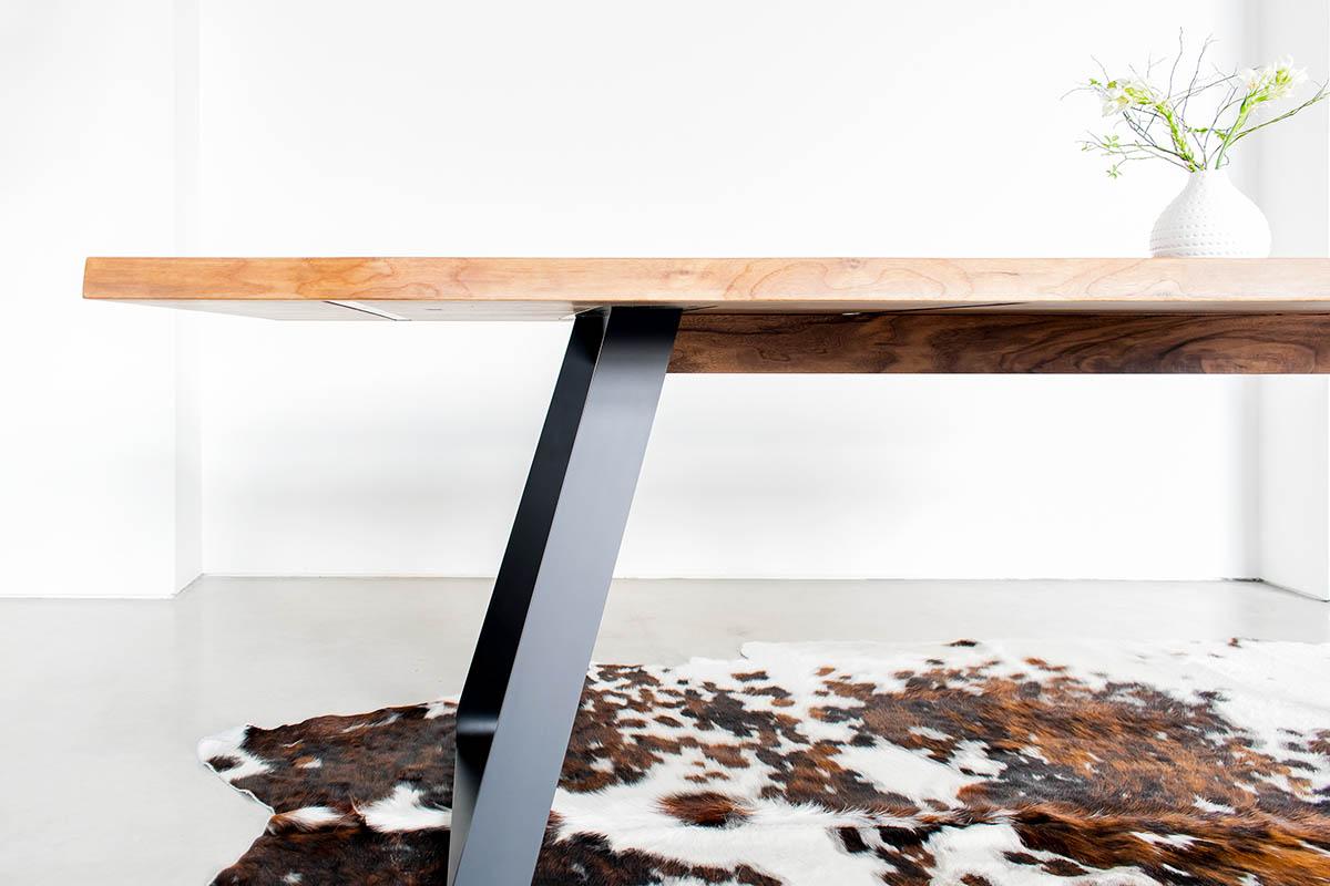 Tisch Brutus Detailbild bei MBzwo