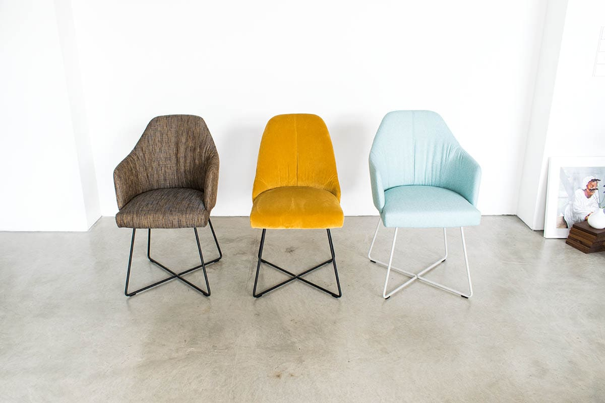 ipdesign Flow Armlehne Dining Chair in türkis bei MBzwo