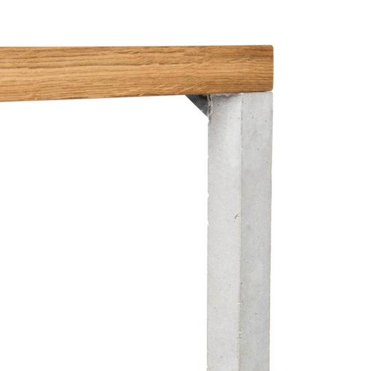 Filigrane Esstisch Lola mit Beton Füßen