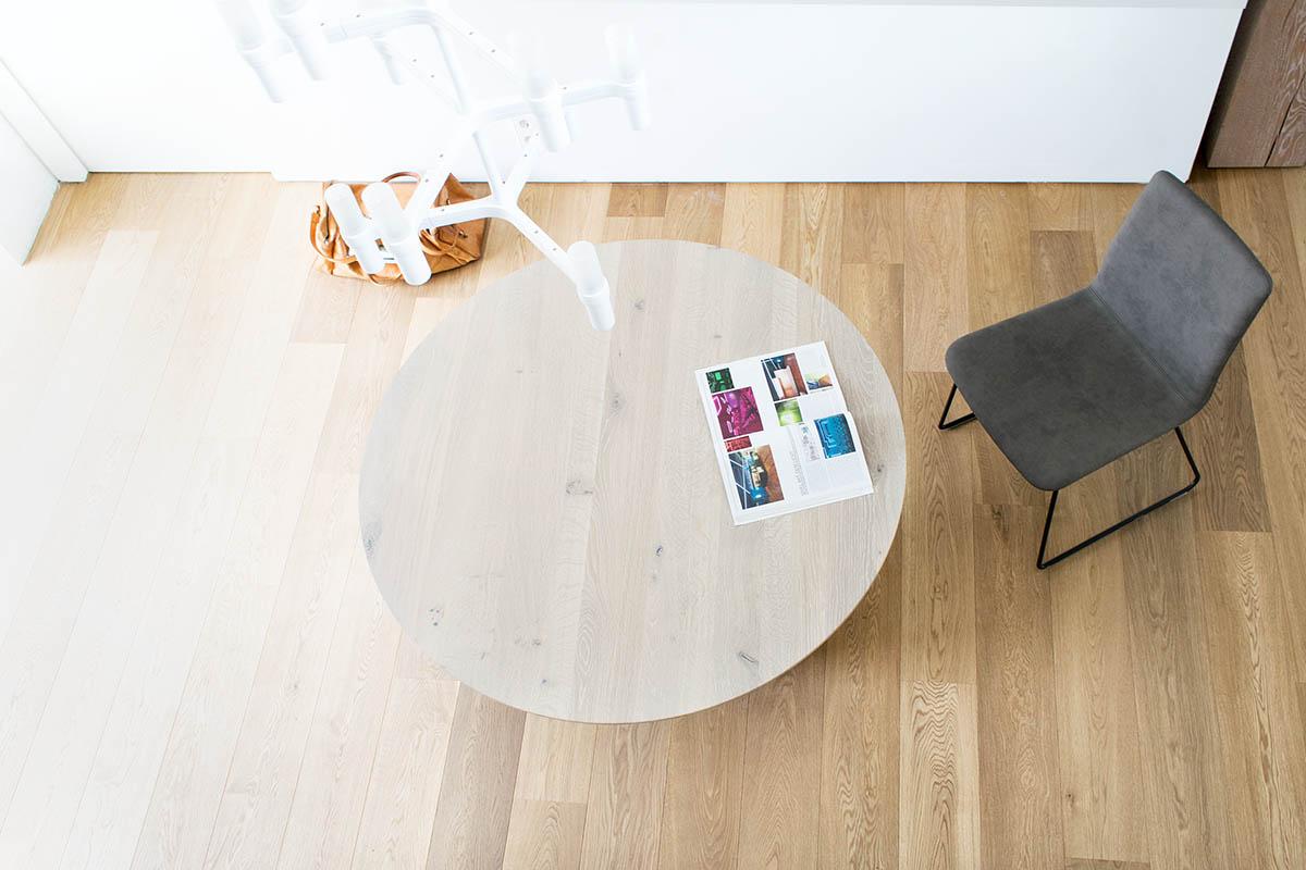 Esstisch rund Rivolta mit Basic Lederstuhl von Tonon, Tonon Basic, Esstisch rund, Tisch rund, runder Esstisch, MBzwo