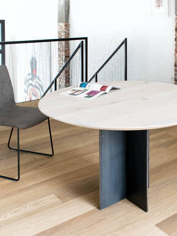 Tisch Rivolta in Asteiche weiß geölt